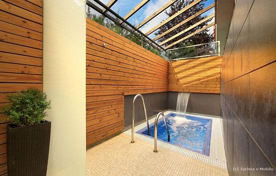 Ochlazovací bazének ve wellness Orion Brno