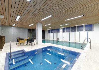 Orion wellness Brno relaxační bazén s masážními prvky a vířivka